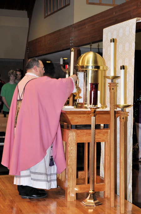 New Tabernacle An Answer To Prayer For St Regis Parish