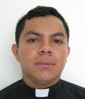 Padre Darvin Salazar