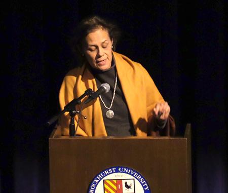 Dr. Pilar Calva